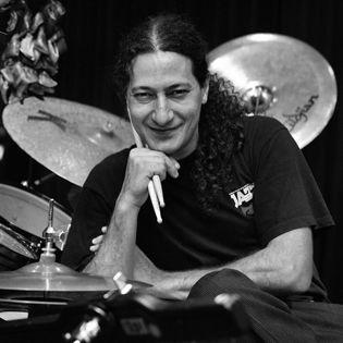 Daniel Messina (Schlagzeug)